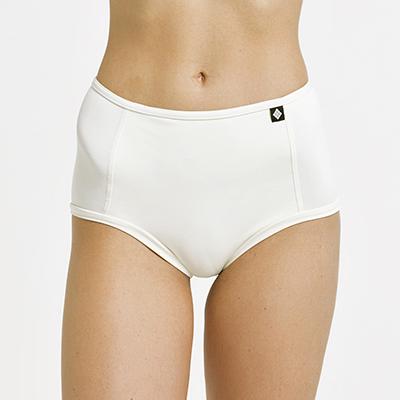 poledancerka_web_04-white-shorts.jpg