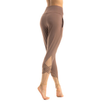 Slim warm-up pants nude 02 (fold over)