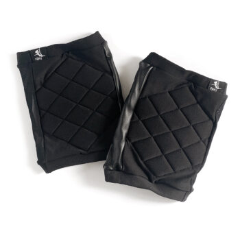 Quilted knee pads with sticky side panel for pole dancing – Black